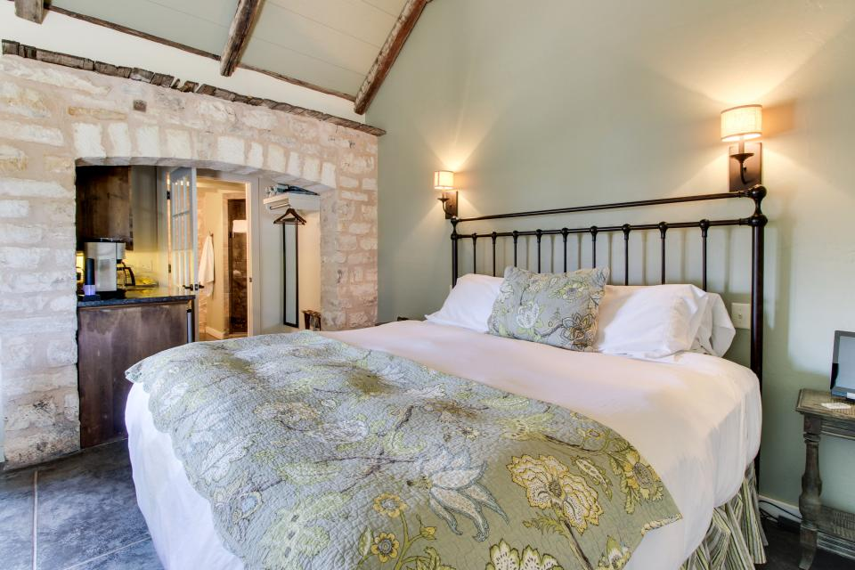 Wine Country Cottages on Main- Full Property - Fredericksburg Vacation Rental - Photo 60