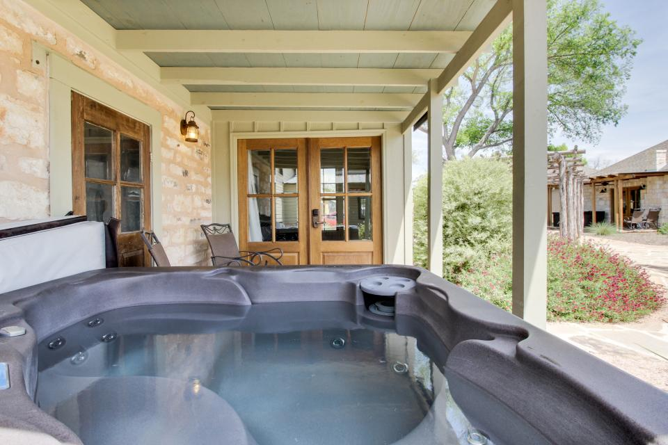 Wine Country Cottages on Main- Full Property - Fredericksburg Vacation Rental - Photo 62