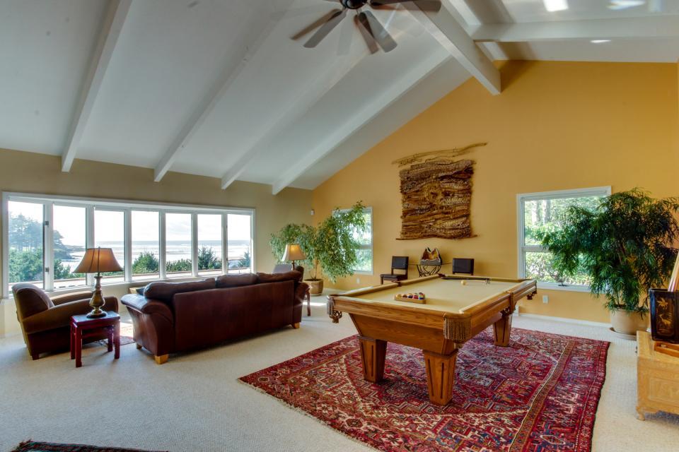 Hidden Luxury Beachfront Estate - Yachats Vacation Rental - Photo 4
