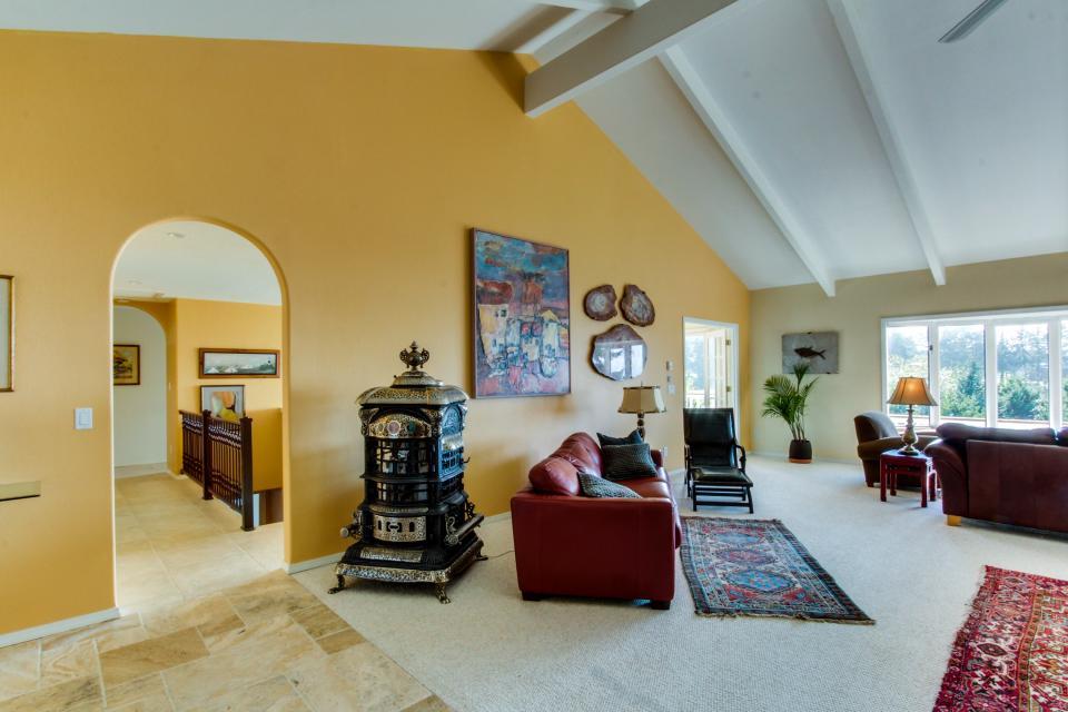 Hidden Luxury Beachfront Estate - Yachats Vacation Rental - Photo 40