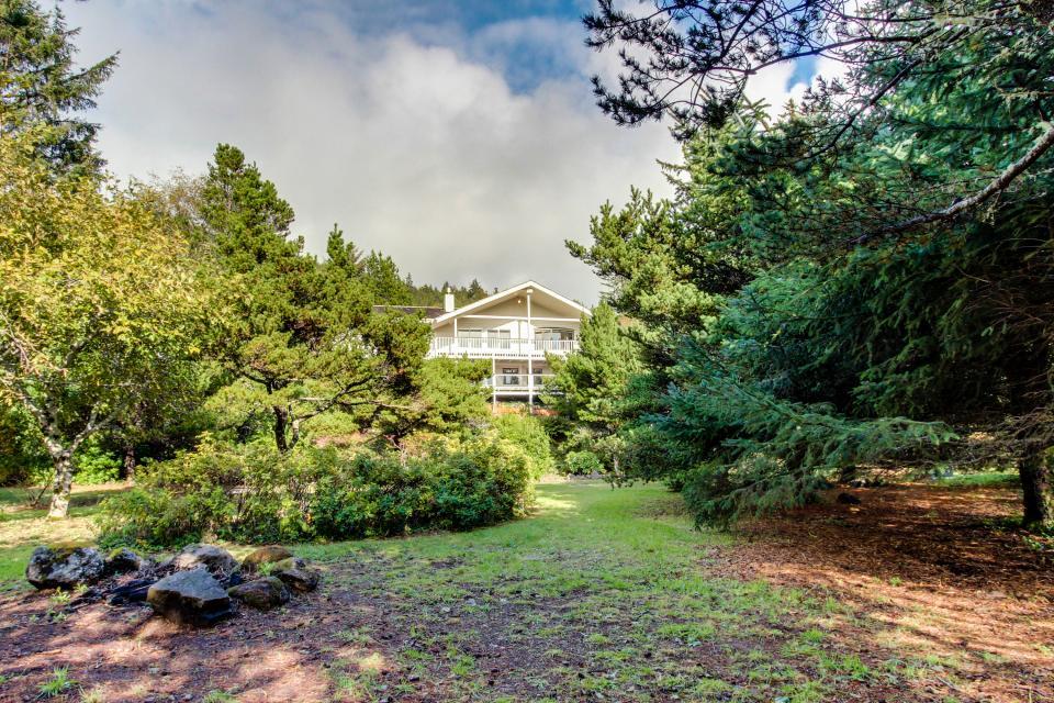 Hidden Luxury Beachfront Estate - Yachats Vacation Rental - Photo 55