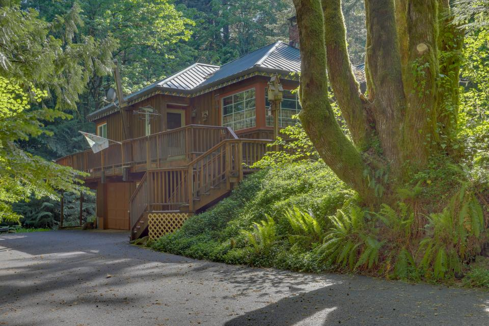 Barlow Creekside Lodge - Rhododendron Vacation Rental - Photo 23