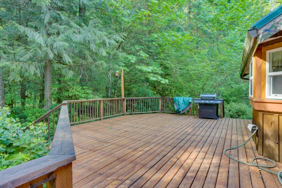 Barlow Creekside Lodge - Rhododendron Vacation Rental - Photo 2