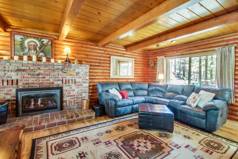 Rustic tomahawk cabin 3 bd vacation rental in south lake Rent a cabin in lake tahoe ca