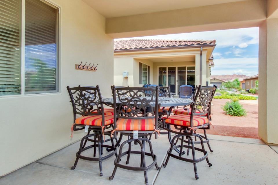 Mountain View Retreat: Paradise Village at Zion #39 - Santa Clara Vacation Rental - Photo 48