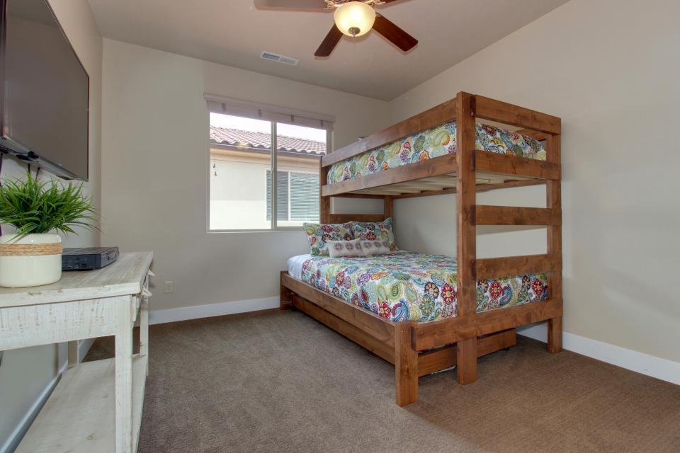 Mountain View Retreat: Paradise Village at Zion #39 - Santa Clara Vacation Rental - Photo 37