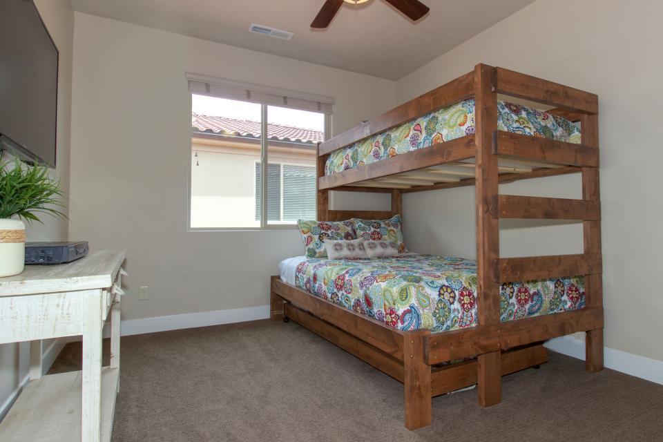 Mountain View Retreat: Paradise Village at Zion #39 - Santa Clara Vacation Rental - Photo 34