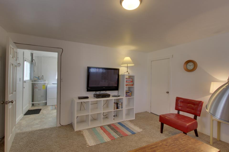 Elli's Haus - Rockaway Beach Vacation Rental - Photo 22