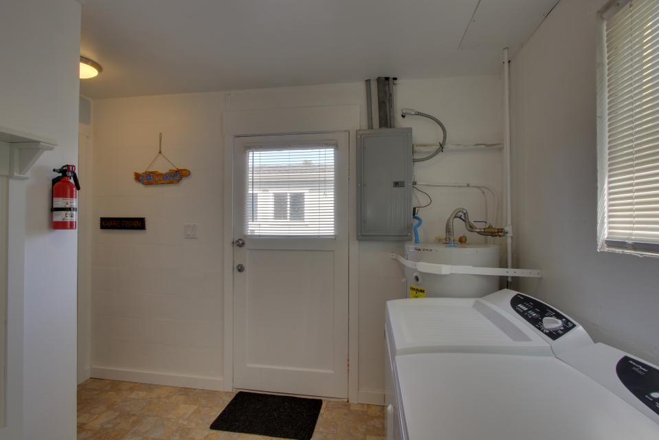 Elli's Haus - Rockaway Beach Vacation Rental - Photo 18