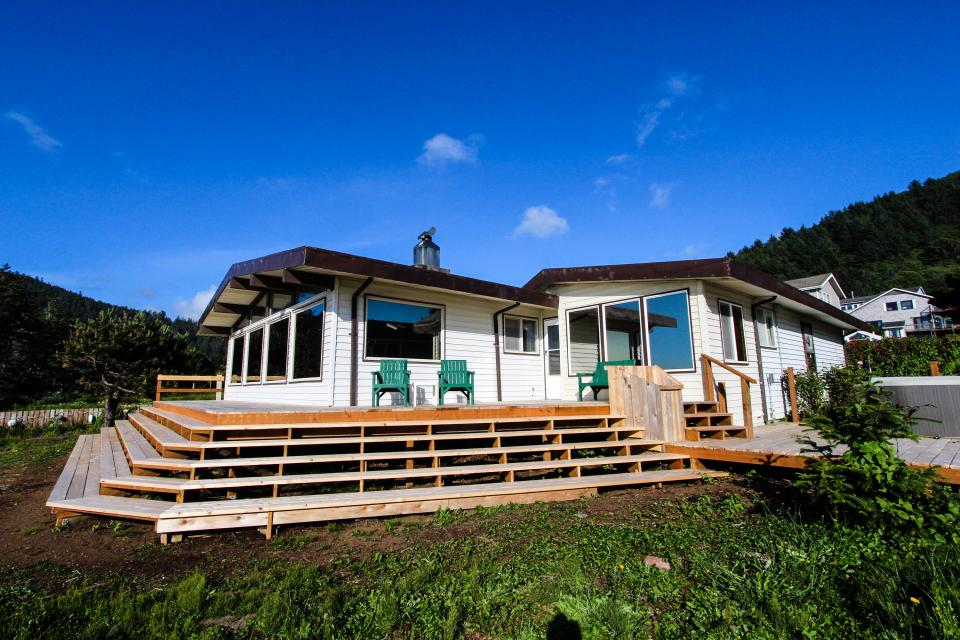Patty's Sea Perch Oceanfront - Yachats Vacation Rental - Photo 1