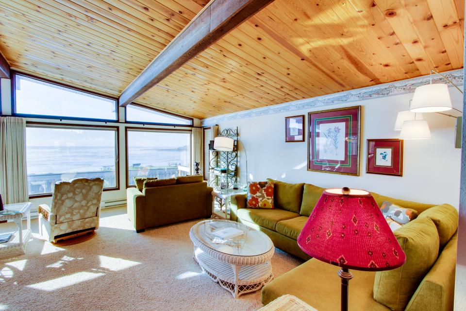 Patty's Sea Perch Oceanfront - Yachats Vacation Rental - Photo 4