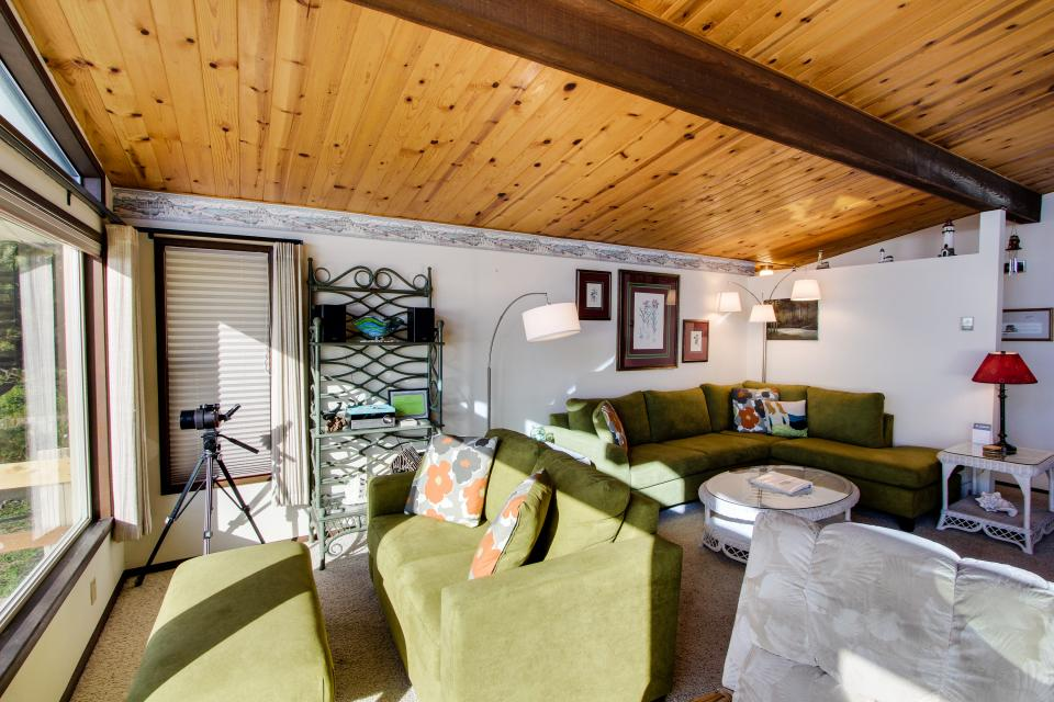 Patty's Sea Perch Oceanfront - Yachats Vacation Rental - Photo 6