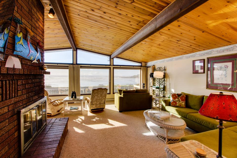 Patty's Sea Perch Oceanfront - Yachats Vacation Rental - Photo 26
