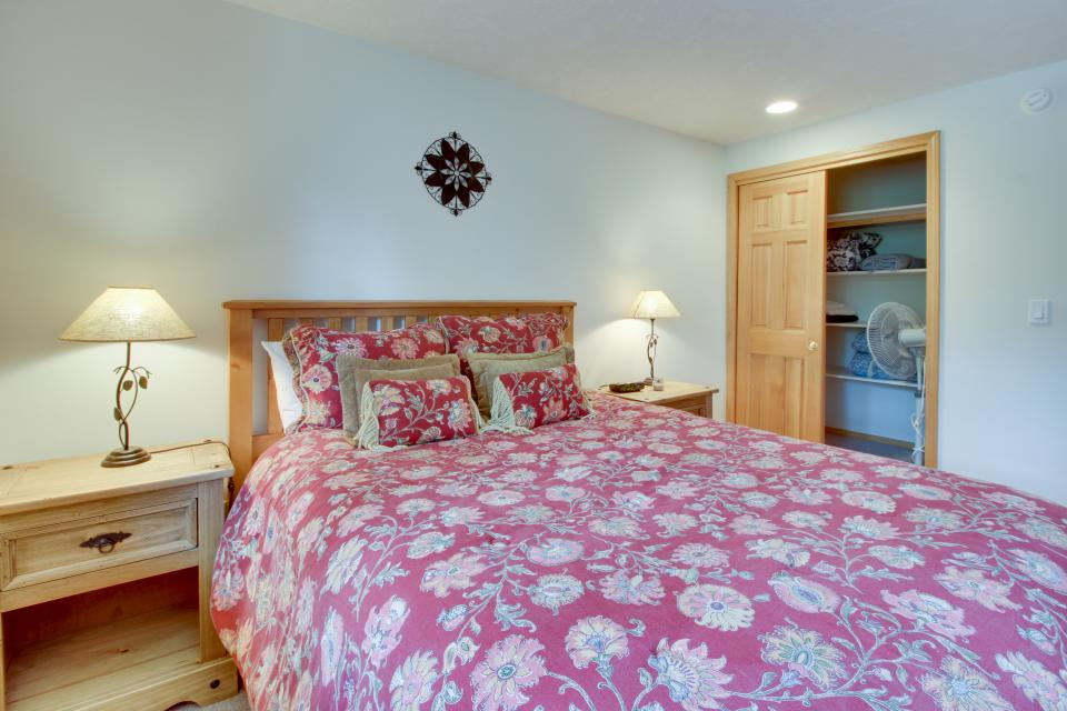 Mt Rainier Lane 07 | Discover Sunriver - Sunriver Vacation Rental - Photo 25