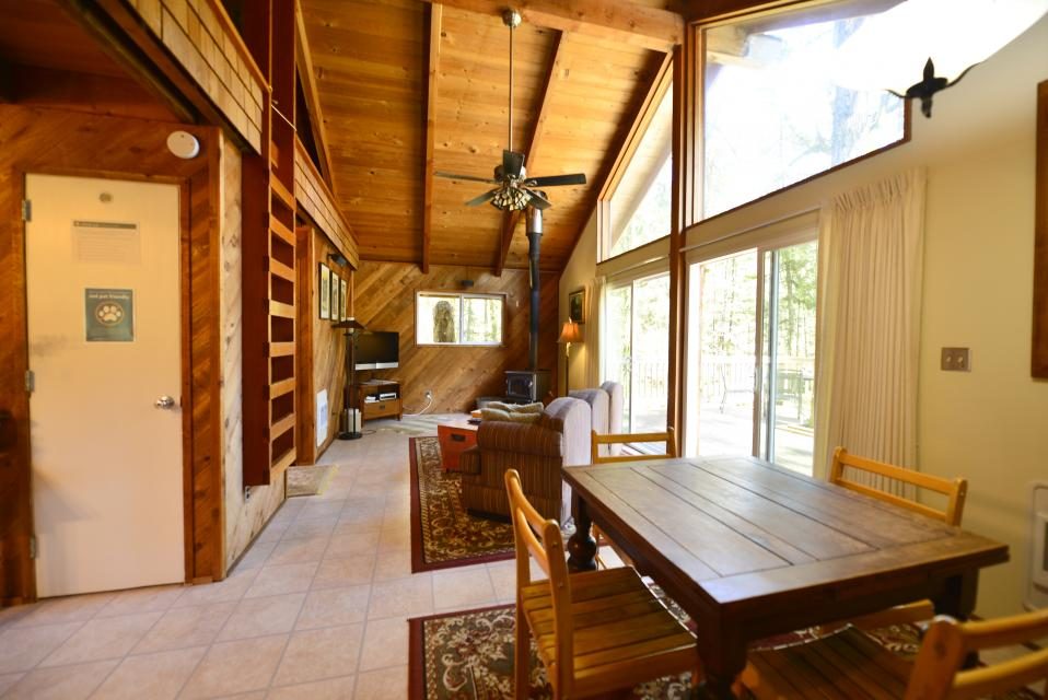 Pappy's Cabin - Brightwood Vacation Rental - Photo 10