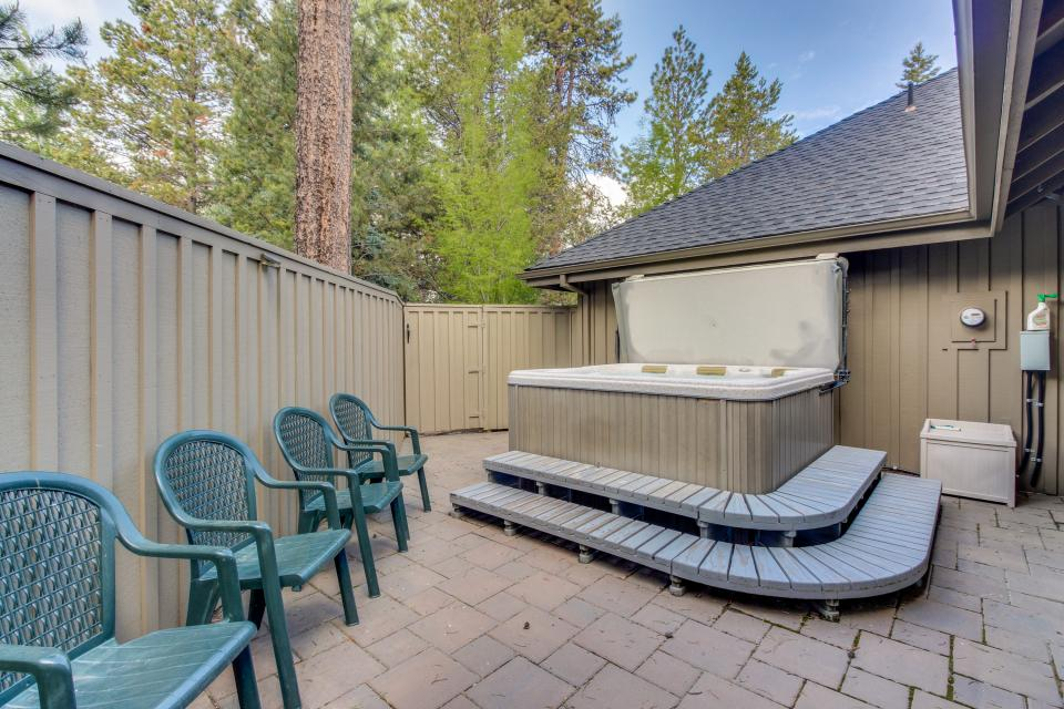 Five Iron Lane 05 | Discover Sunriver - Sunriver Vacation Rental - Photo 3