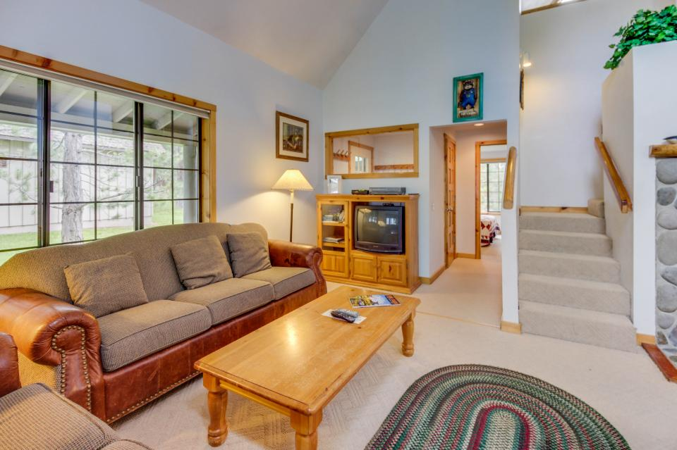 Circle 4 Ranch 25 | Discover Sunriver - Sunriver Vacation Rental - Photo 6