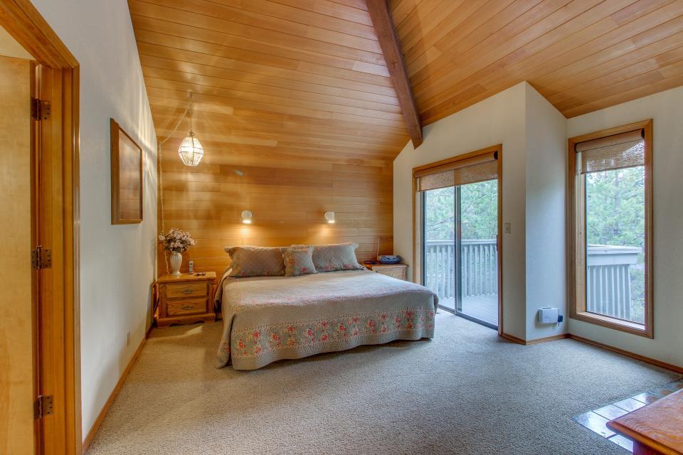 Hickory Lane 20 | Discover Sunriver - Sunriver Vacation Rental - Photo 15