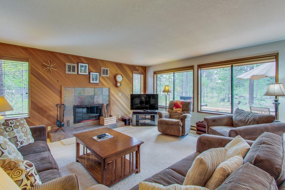 Aspen Lane 03 | Discover Sunriver - Sunriver Vacation Rental - Photo 4