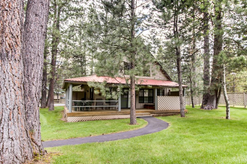 Circle 4 Ranch 31 | Discover Sunriver - Sunriver Vacation Rental - Photo 2