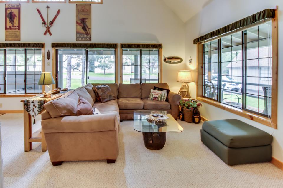 Circle 4 Ranch 31 | Discover Sunriver - Sunriver Vacation Rental - Photo 11