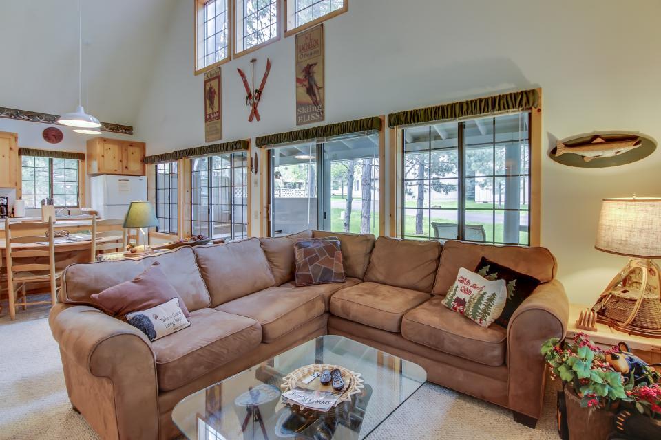 Circle 4 Ranch 31 | Discover Sunriver - Sunriver Vacation Rental - Photo 12