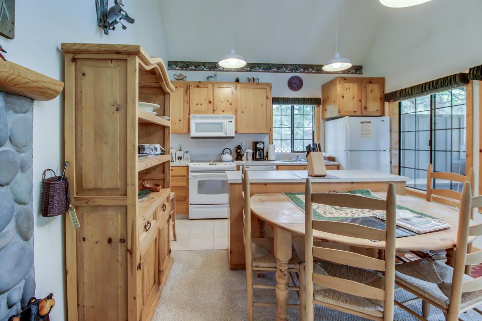 Circle 4 Ranch 31 | Discover Sunriver - Sunriver Vacation Rental - Photo 10