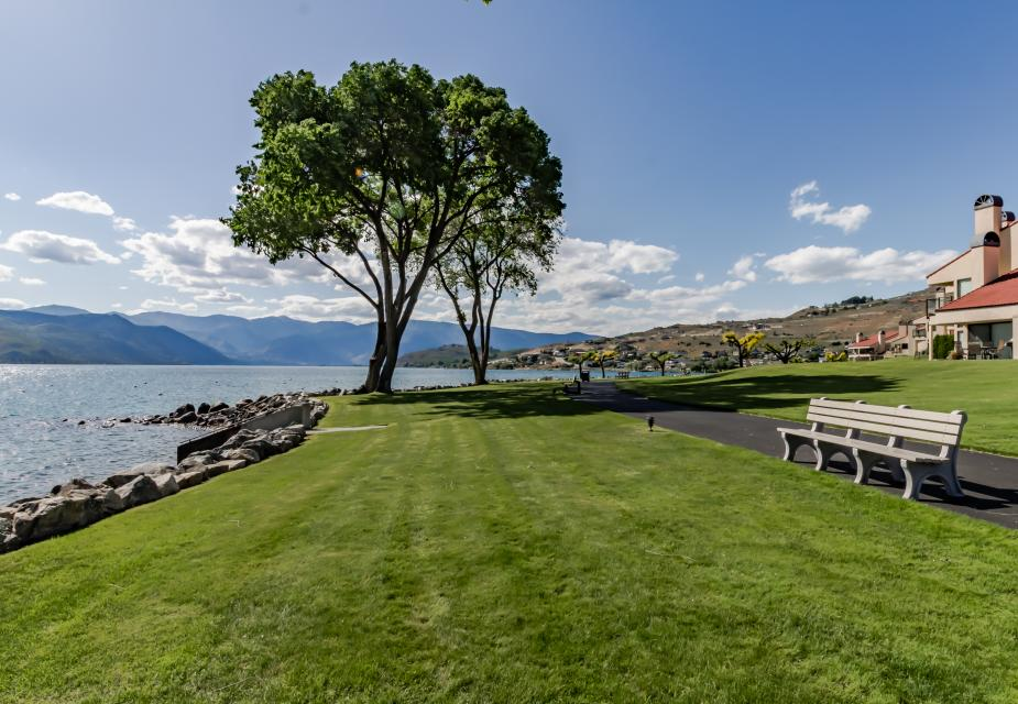Lake Chelan Shores: Serenity by the Lake (#15-9) - Chelan Vacation Rental