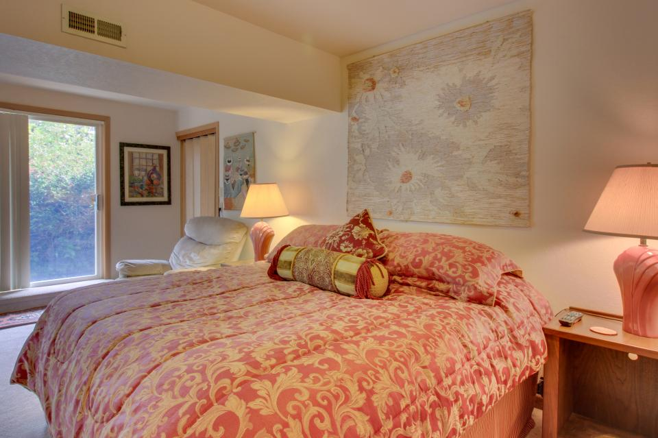 A Gathering Place - South Beach Vacation Rental - Photo 27