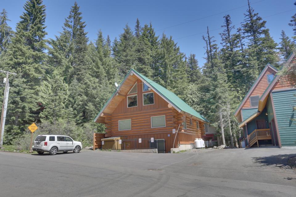 Big Bear Cabin and Little Bear Cabin - Government Camp - Take a Virtual Tour