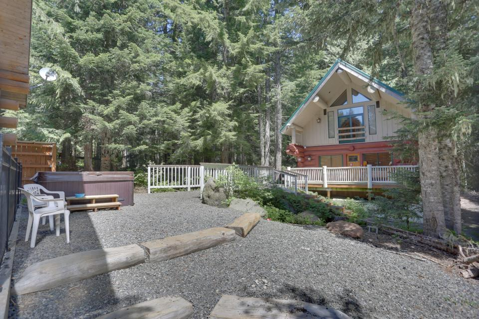 Big Bear Cabin and Little Bear Cabin - Government Camp Vacation Rental - Photo 8