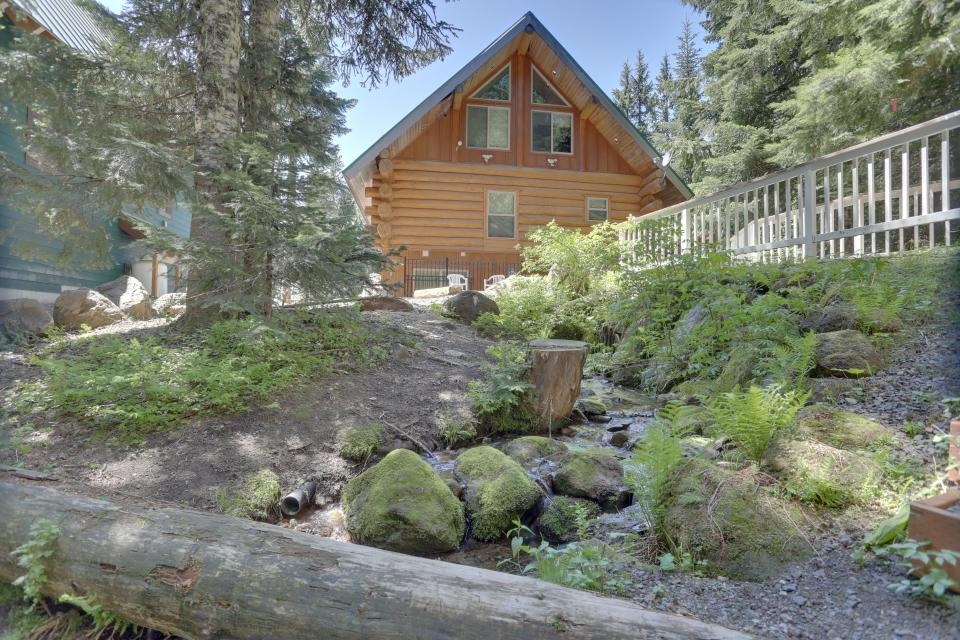 Big Bear Cabin and Little Bear Cabin - Government Camp Vacation Rental - Photo 10