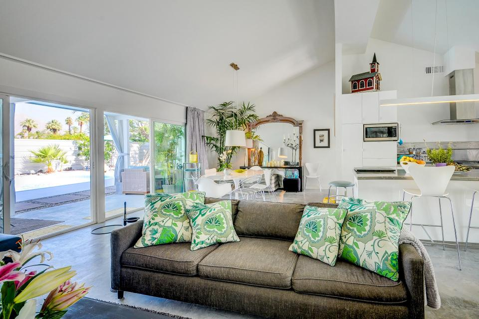 Hollywood Hideaway - Palm Springs Vacation Rental - Photo 2