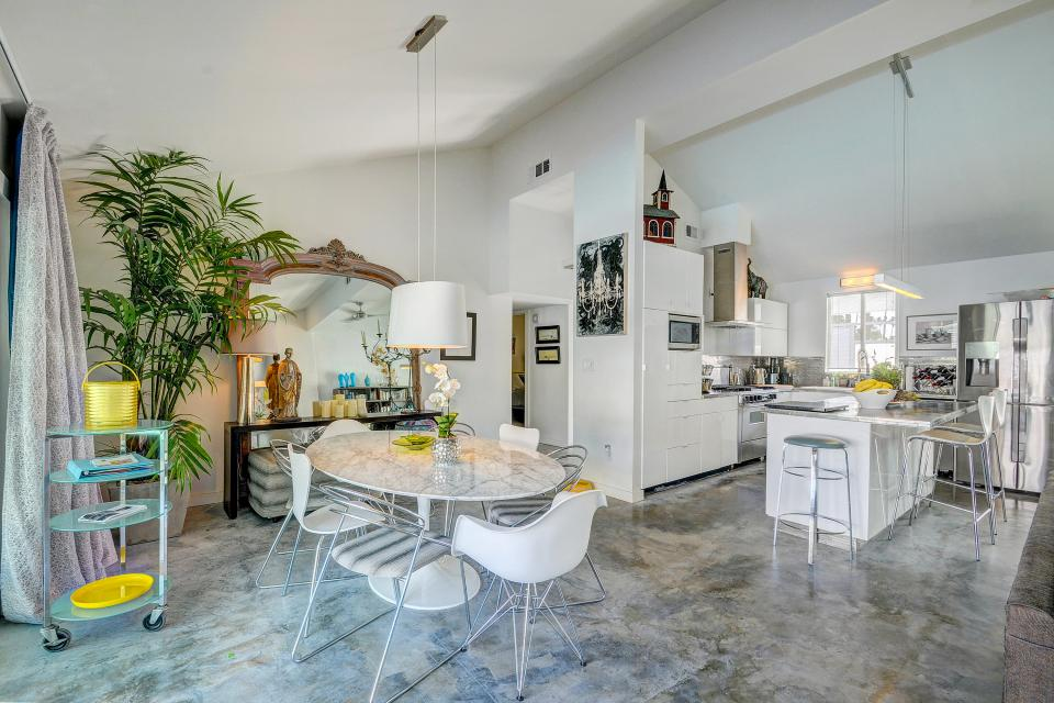 Hollywood Hideaway - Palm Springs Vacation Rental - Photo 6