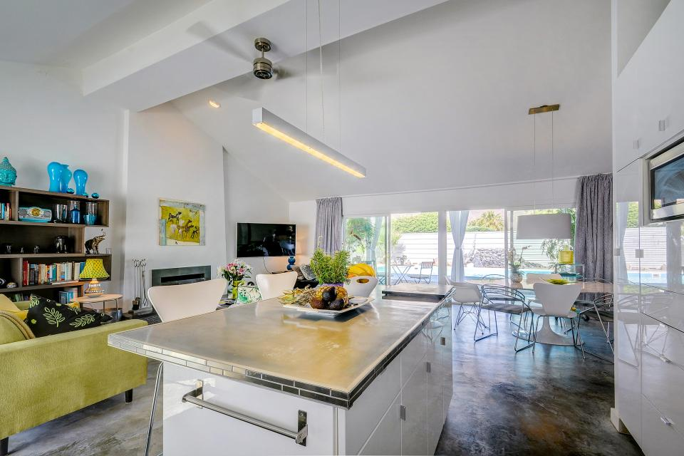 Hollywood Hideaway - Palm Springs Vacation Rental - Photo 4