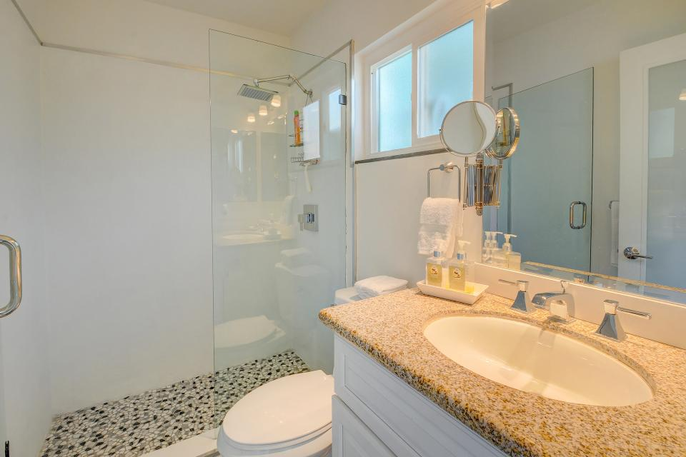 Hollywood Hideaway - Palm Springs Vacation Rental - Photo 17