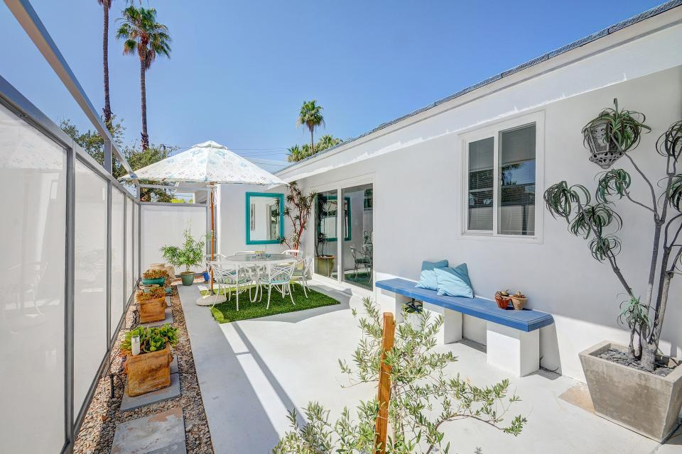 Hollywood Hideaway - Palm Springs Vacation Rental - Photo 20