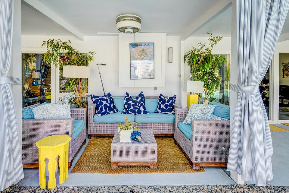Hollywood Hideaway - Palm Springs Vacation Rental - Photo 11