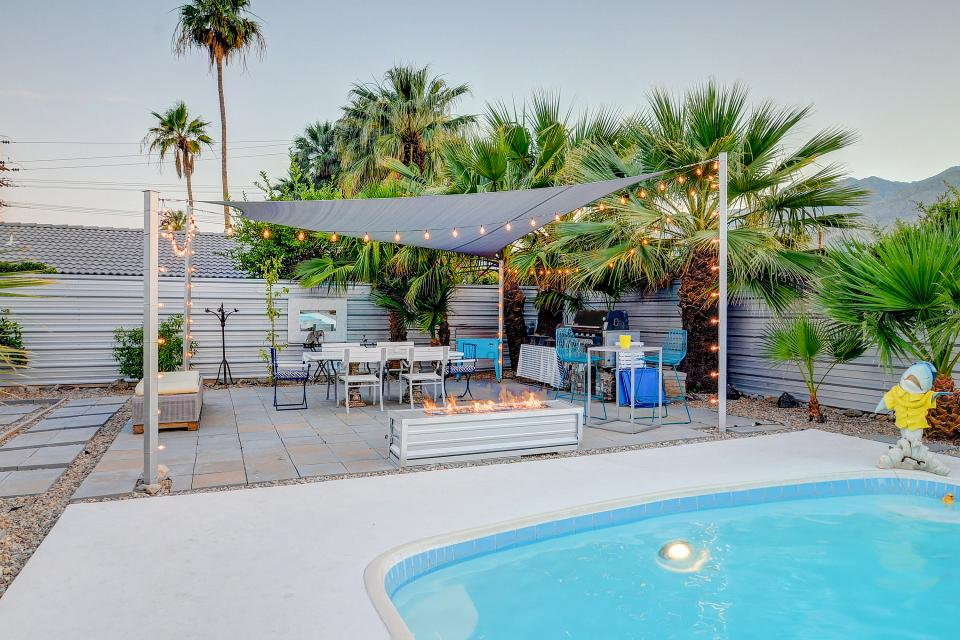 Hollywood Hideaway - Palm Springs Vacation Rental - Photo 23