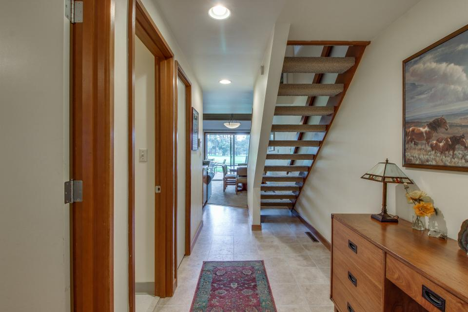 Mt View 7 | Discover Sunriver - Sunriver Vacation Rental - Photo 7