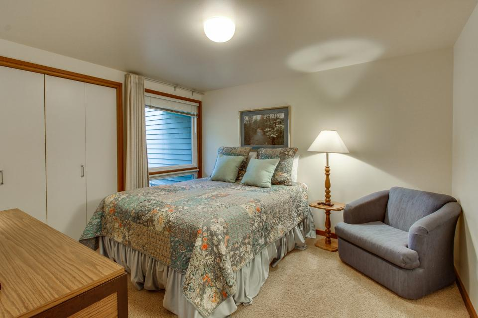 Mt View 7 | Discover Sunriver - Sunriver Vacation Rental - Photo 17