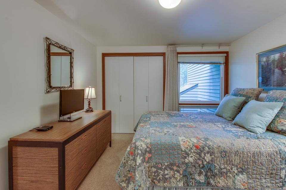 Mt View 7 | Discover Sunriver - Sunriver Vacation Rental - Photo 19