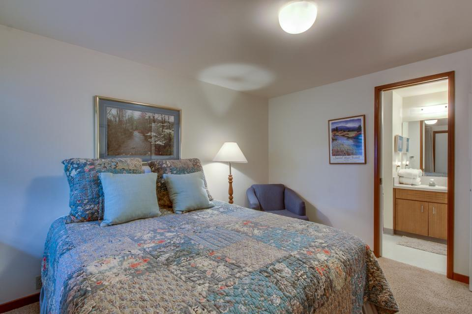 Mt View 7 | Discover Sunriver - Sunriver Vacation Rental - Photo 18