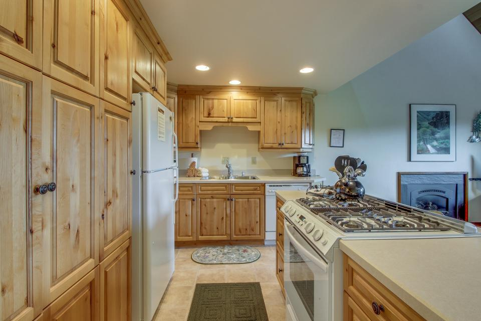 Mt View 7 | Discover Sunriver - Sunriver Vacation Rental - Photo 15
