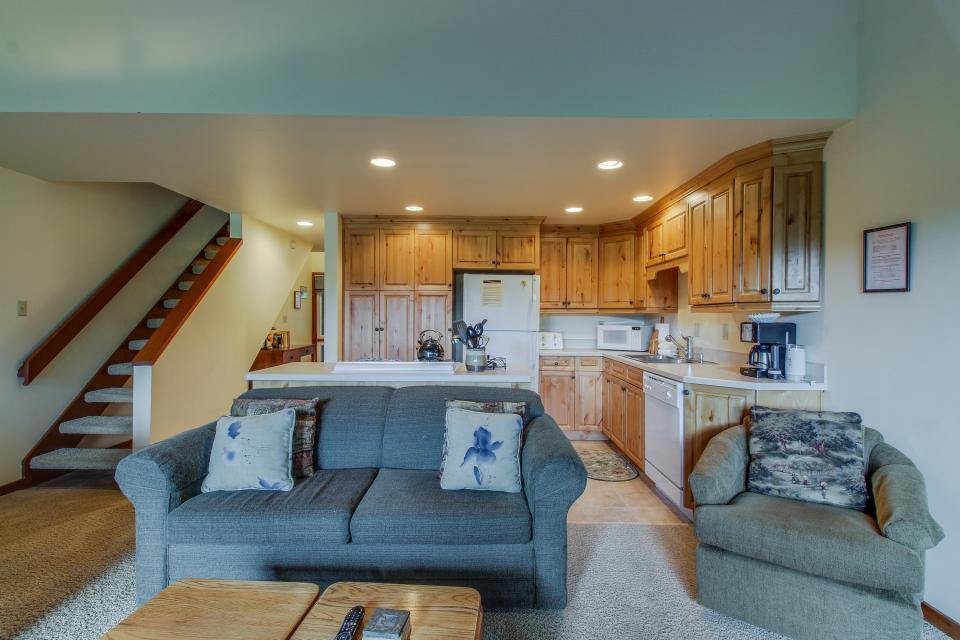 Mt View 7 | Discover Sunriver - Sunriver Vacation Rental - Photo 8