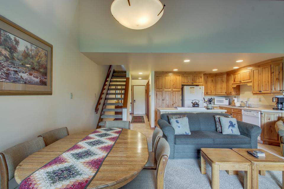 Mt View 7 | Discover Sunriver - Sunriver Vacation Rental - Photo 13