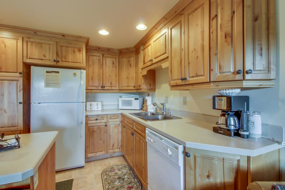 Mt View 7 | Discover Sunriver - Sunriver Vacation Rental - Photo 16
