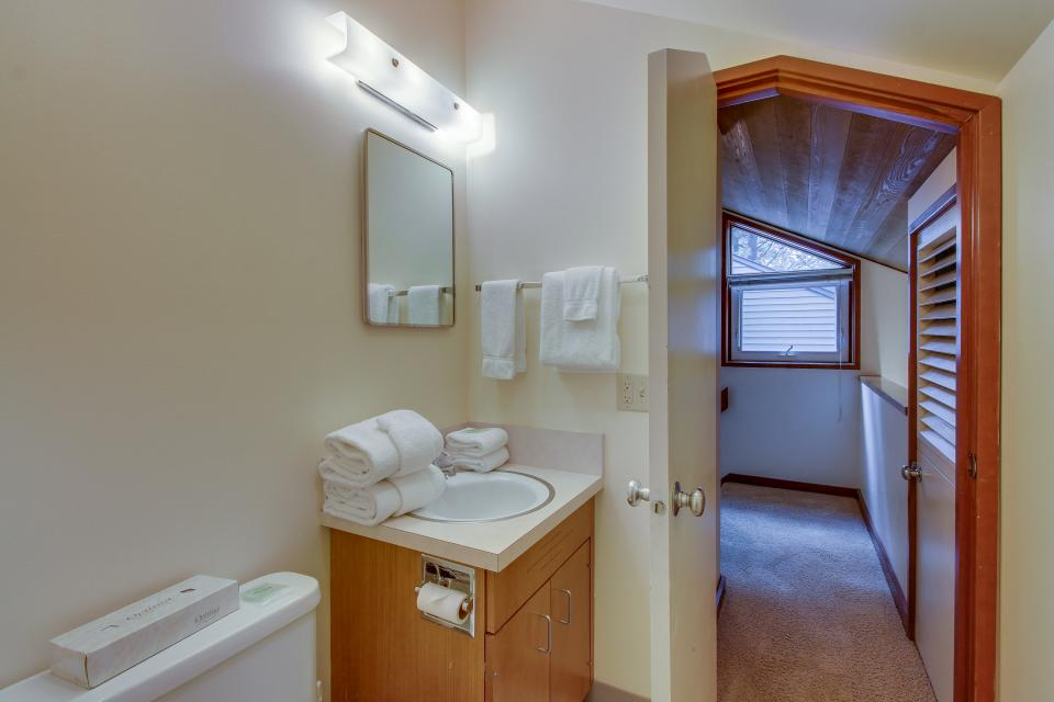 Mt View 7 | Discover Sunriver - Sunriver Vacation Rental - Photo 24