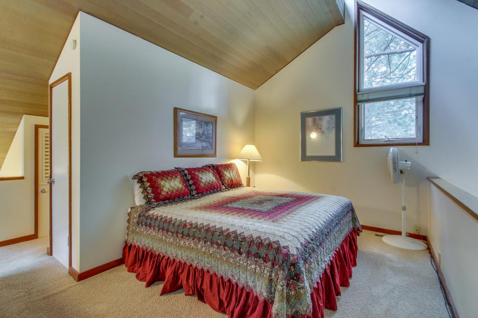 Mt View 7 | Discover Sunriver - Sunriver Vacation Rental - Photo 21