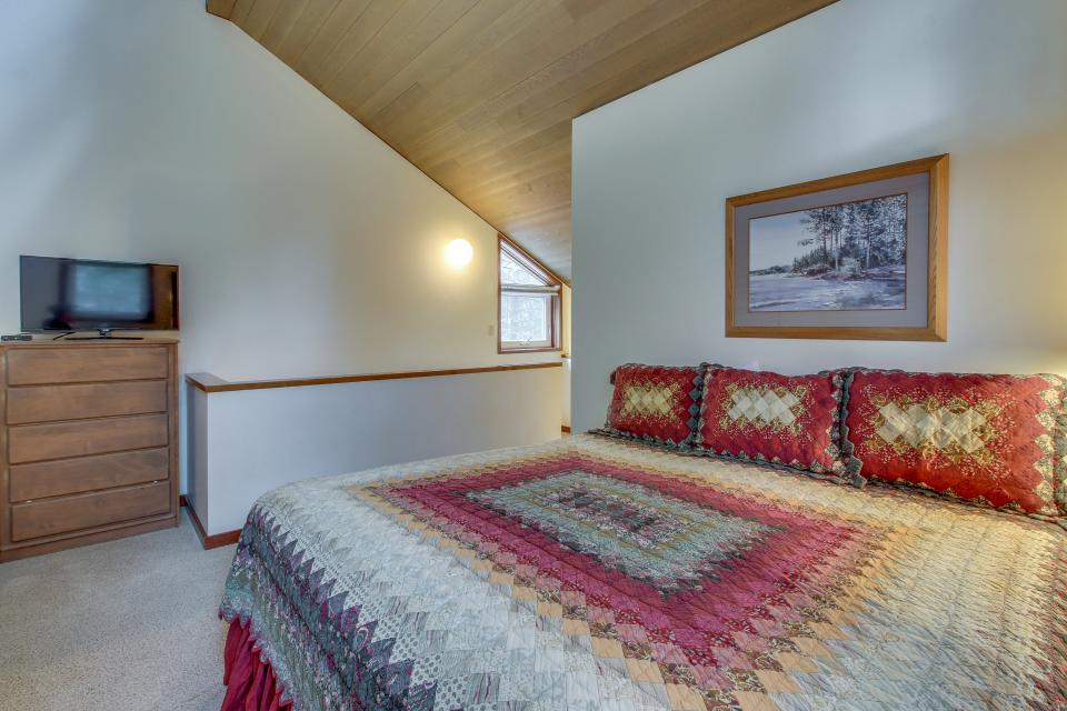 Mt View 7 | Discover Sunriver - Sunriver Vacation Rental - Photo 22
